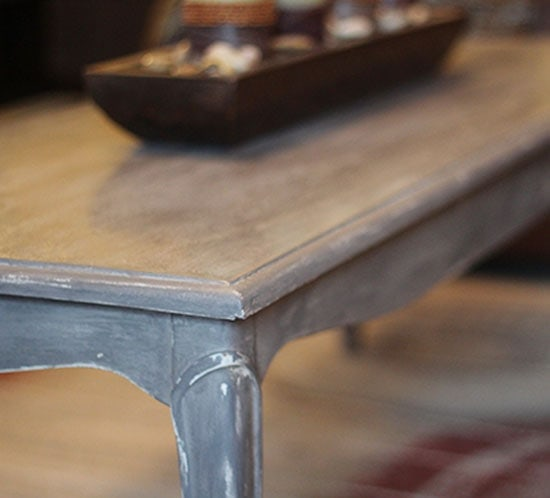 distressed-chalk-paint-coffee-table-mountainmodernlife.com
