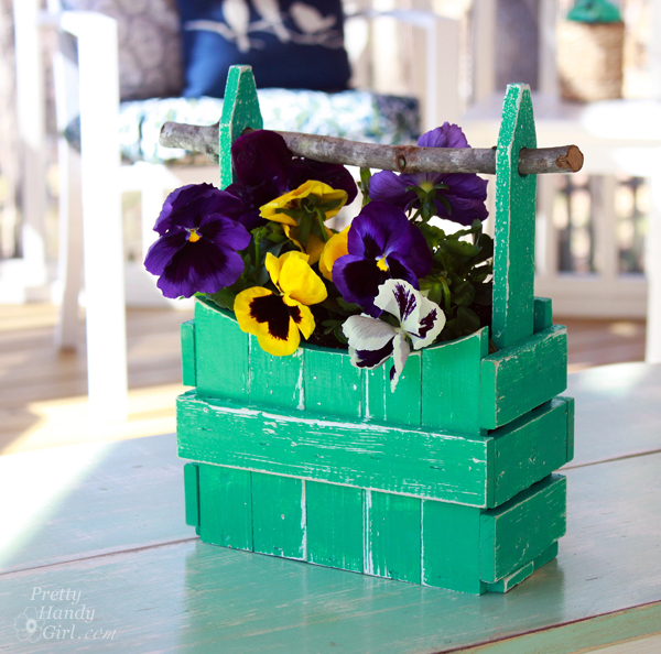 Picket Fence Planter Basket | Pretty Handy Girl