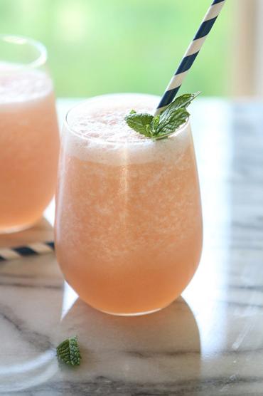 blended-grapefruit-limeade-summer-drink-recipe