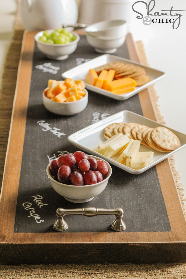 diy-chalkboard-serving-tray