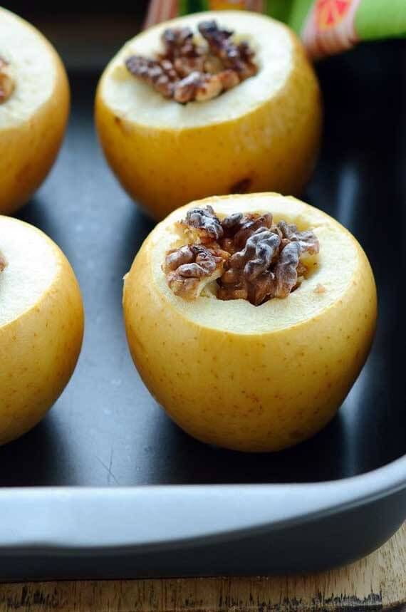 Clean Eating Pumpkin Spice Baked Apples via The Gracious Pantry