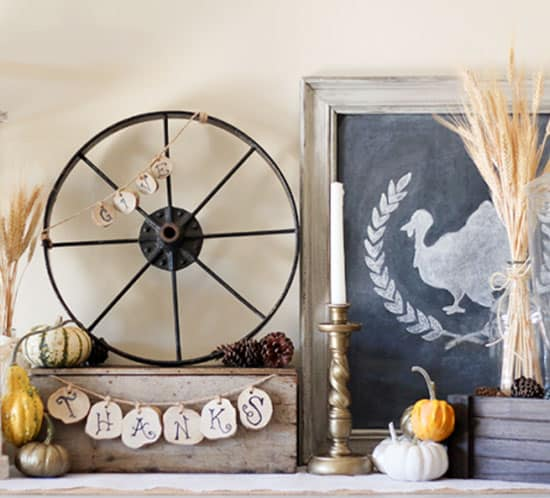 DIY Rustic Vintage Fall Vignette wood slices for give thanks sign mountainmodernlife.com