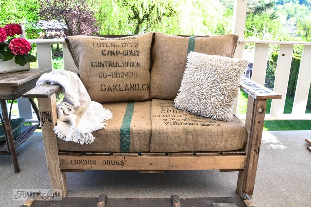 pallet-wood-patio-chair-funkyjunkinteriors