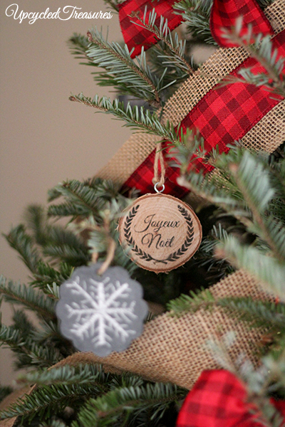 Rustic Cabin Inspired Christmas Tree! We ditched most of our usual ornaments, and made our own using leftover materials from our wedding