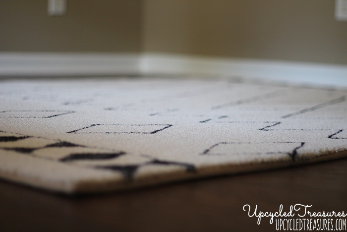 Can you believe this was done using a sharpie? Check out how you can create a DIY Sharpie Rug to match your very own style! UpcycledTreasures.com