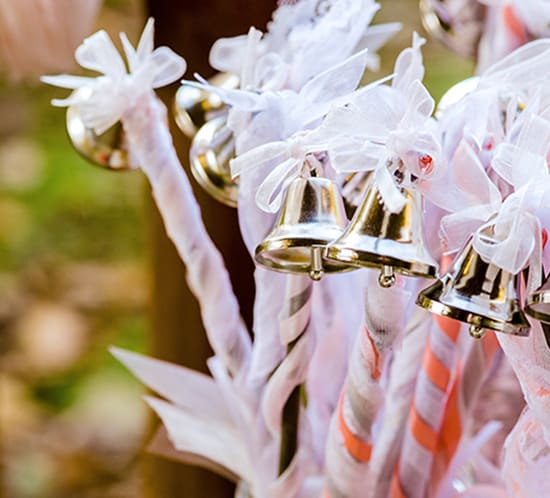 how to make diy ribbon wedding wands mountainmodernlife.com
