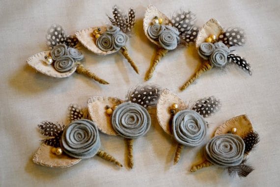 Planning a rustic, vintage, or woodland inspired wedding? Take a look at these 25 Rustic Boutonniere Ideas.