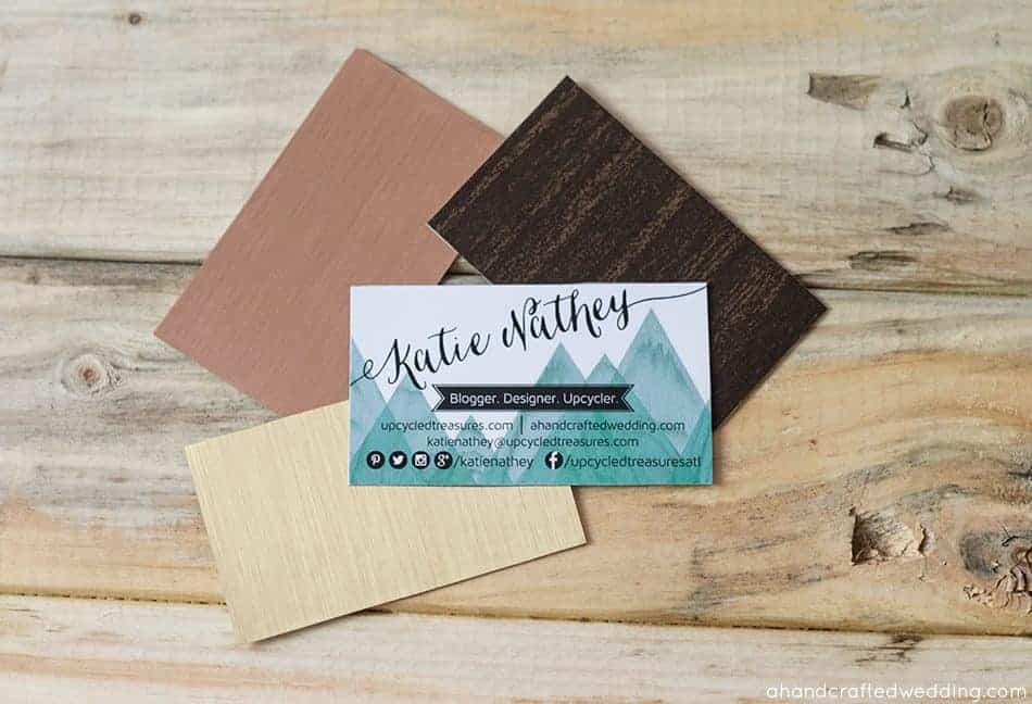 Want to add some flare to those wedding invitations? Check out how to add Gold to DIY Wedding Invitations | MountainModernLife.com