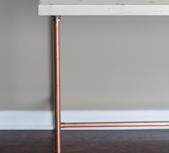 DIY copper pipe desk left side mountainmodernlife.com