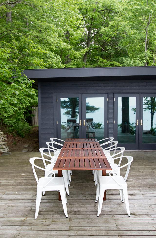 modern-rustic-black-cabin-exterior