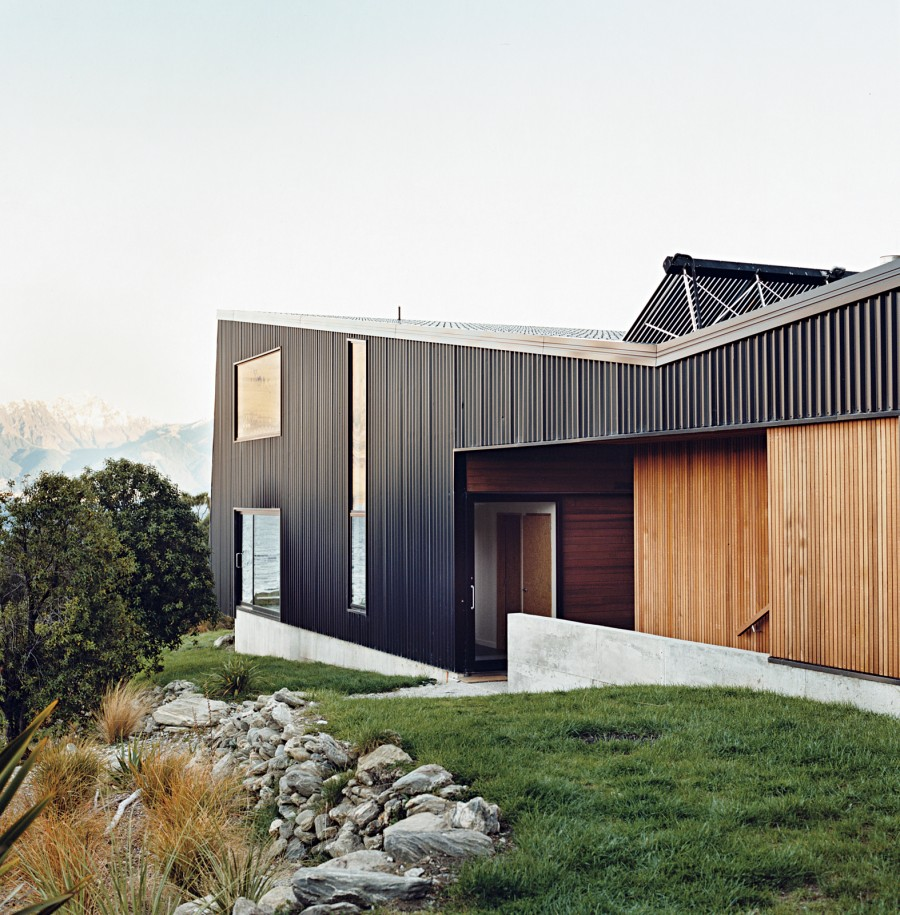 Modern rustic homes with black exteriors mountain modern for House and home exteriors