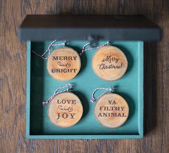diy wood slice ornaments in diy chalkboard keepsake ornament box mountainmodernlife.com