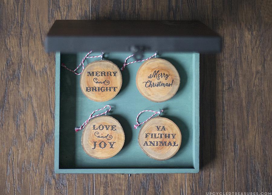 diy-wood-slice-ornaments-in-diy-chalkboard-keepsake-ornament-box-upcycledtreasures (1)