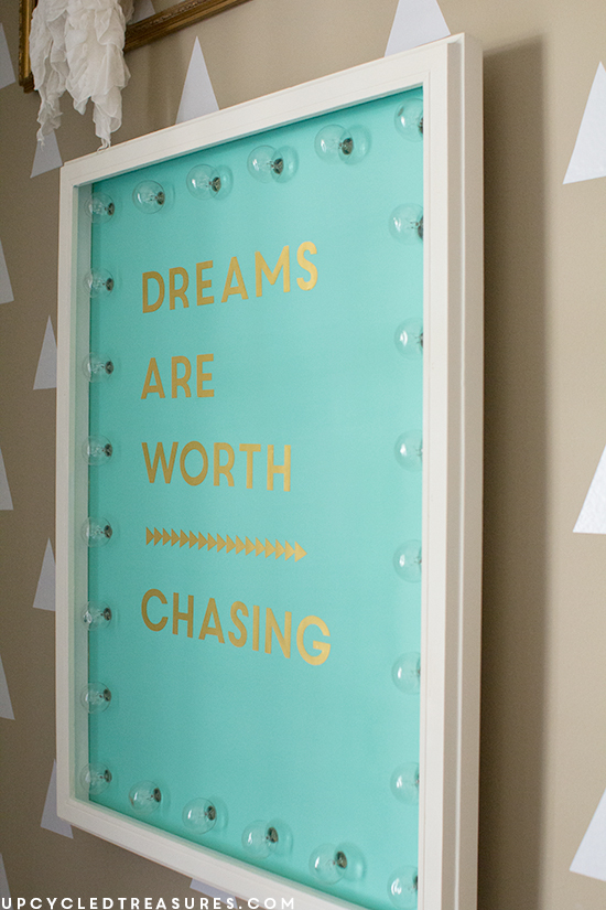 dreams-are-worth-chasing-quote-DIY-marquee-sign-for-craft-room-upcycledtreasures