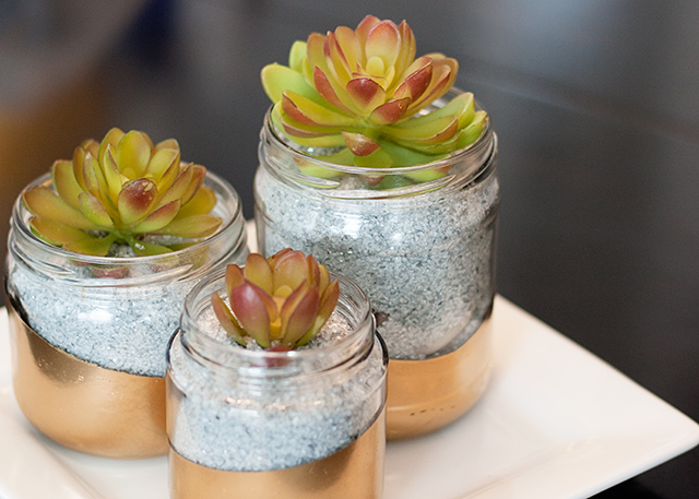 upcycled-glass-jar-planter