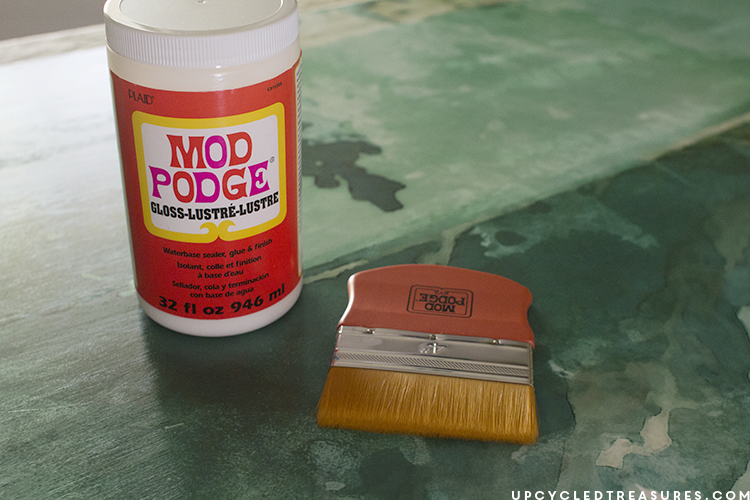using-mod-podge-to-attach-print-to-wood-for-diy-wall-decor-upcycledtreasures