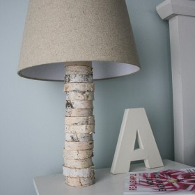 diy-stacked-wood-lamp
