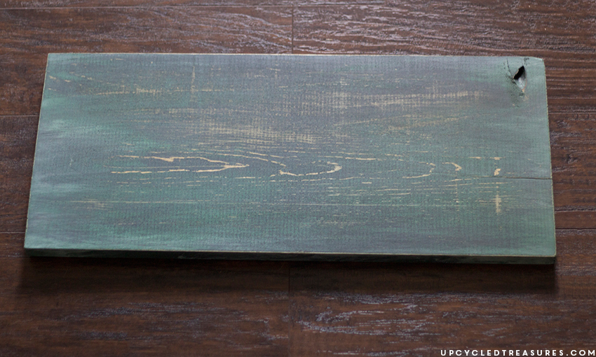 painted-and-distressed-scrap-wood-for-diy-sign-upcycledtreasures