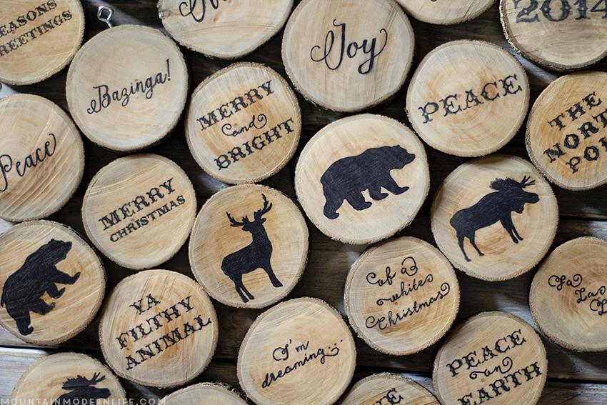 rodajas de madera con mensaje navideño