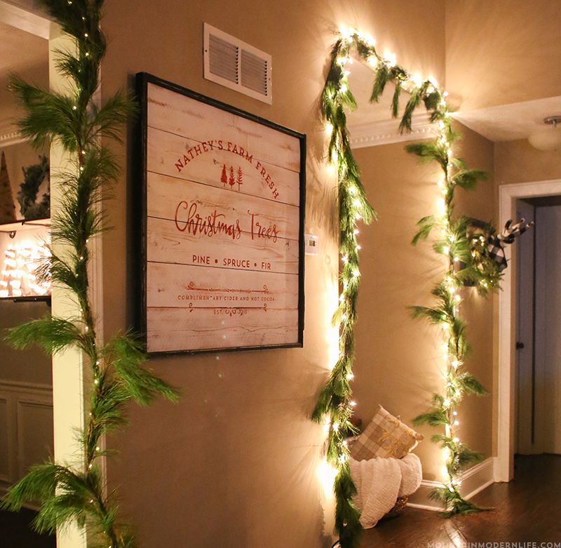 Create a family established Farm Fresh Christmas Trees sign that you can enjoy during the holidays! MountainModernLife.com