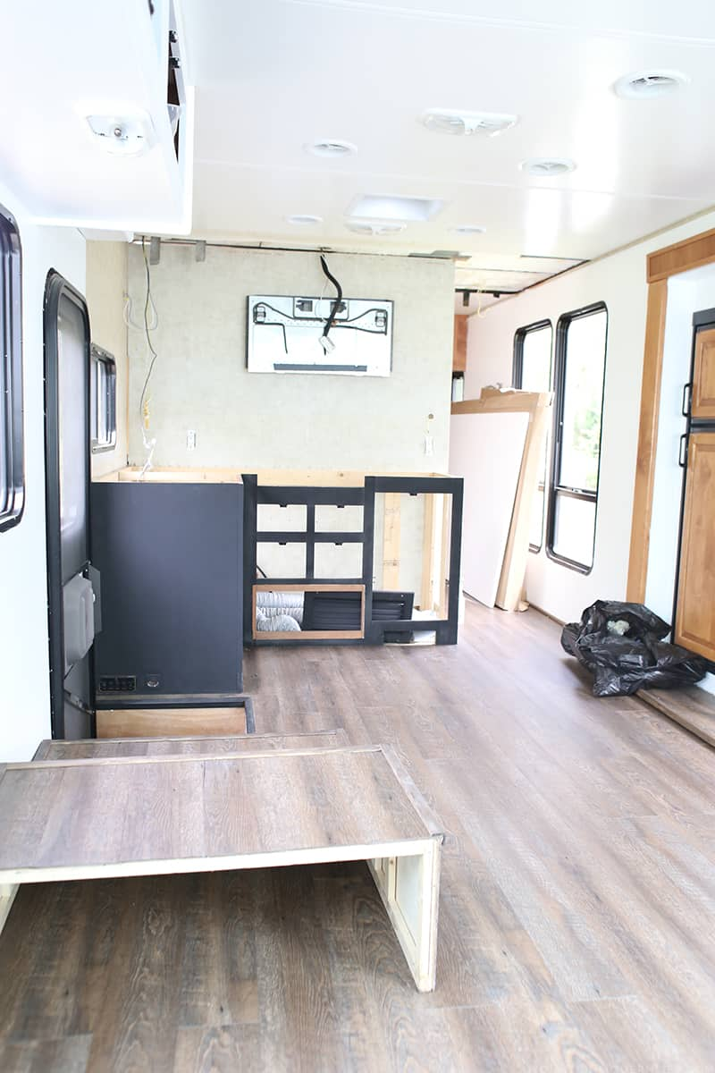 We're super excited to be a guest participant in the One Room Challenge for Spring 2016. Follow along as we renovate our RV into a rustic modern motorhome!
