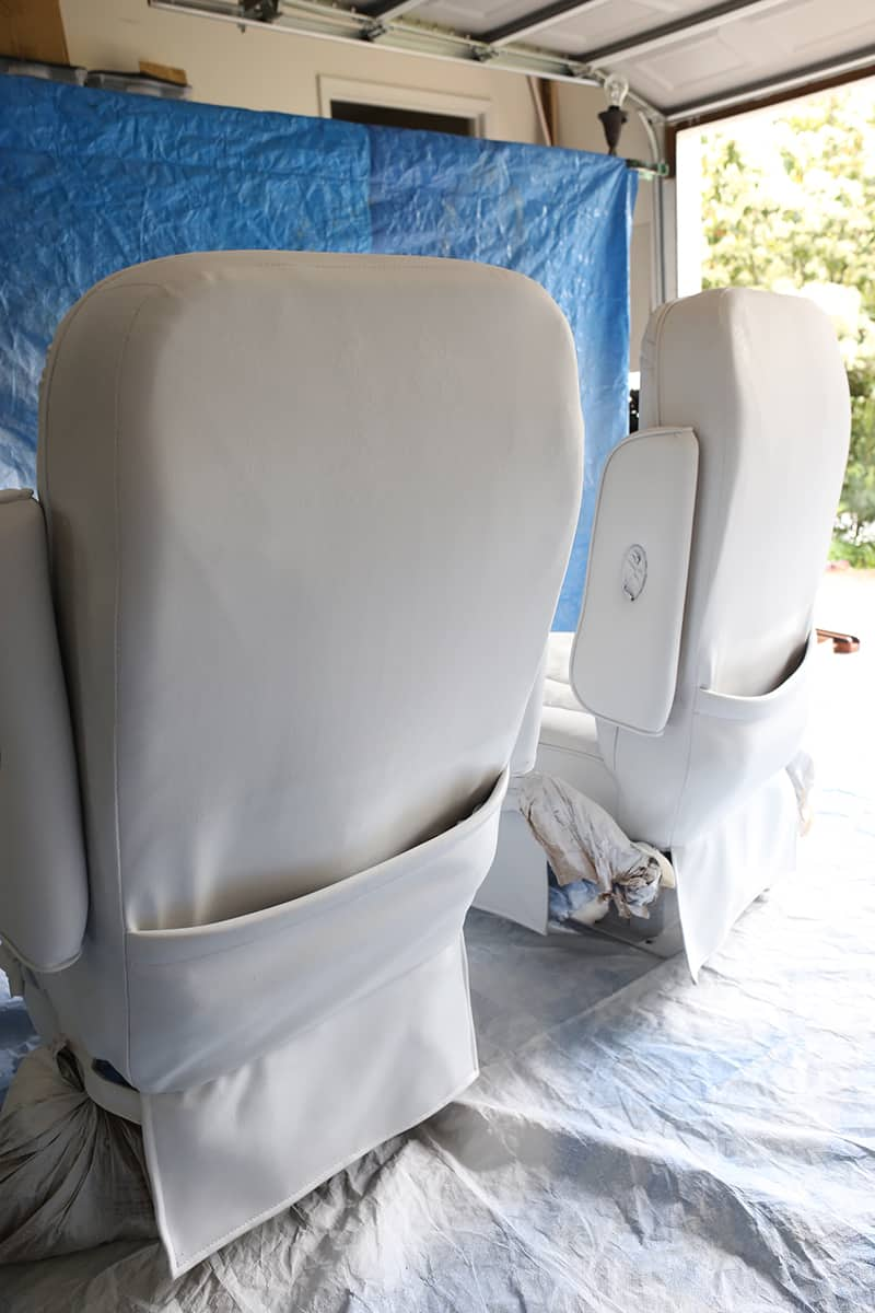 Modern captain chair - Thinking About Painting Vinyl Or Simulated Leather Furniture Before You Do Be Sure To Check