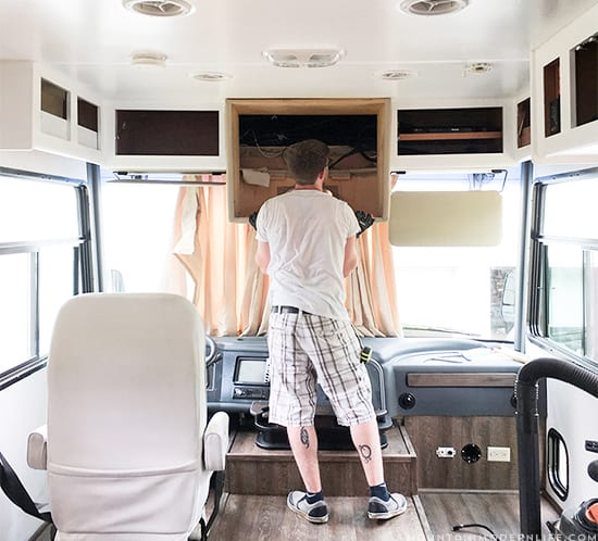 how-to-remove-tv-from-front-of-rv-windshield-area-mountainmodernlife.com-550x498