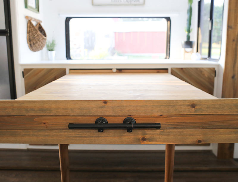 Rustic Telescoping Table