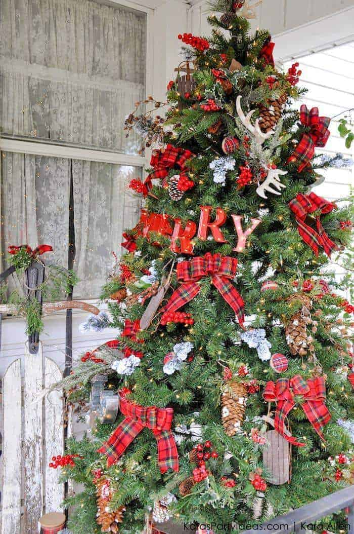 Rustic Cabin-Inspired Christmas Tree | Kara's Party Ideas