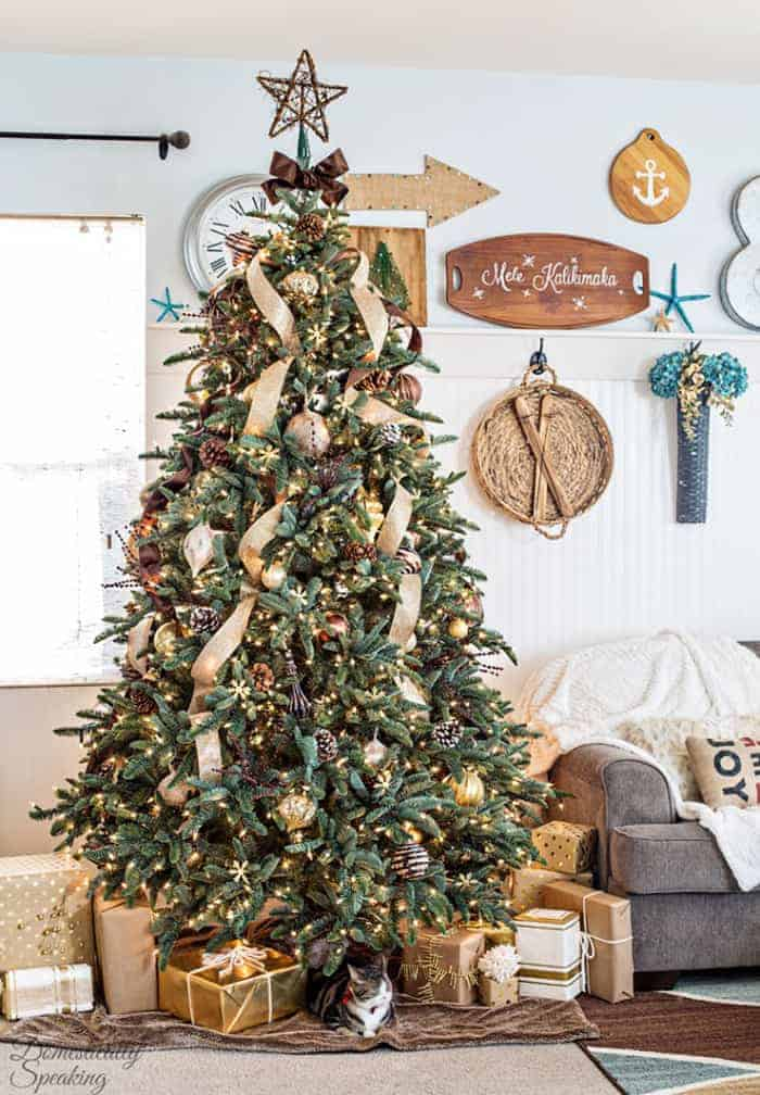 Rustic Luxe Christmas Tree | Domestically Speaking