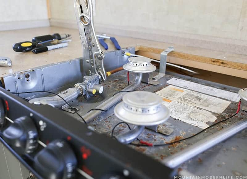 How to Remove your RV Kitchen Stove | MountainModernLife com