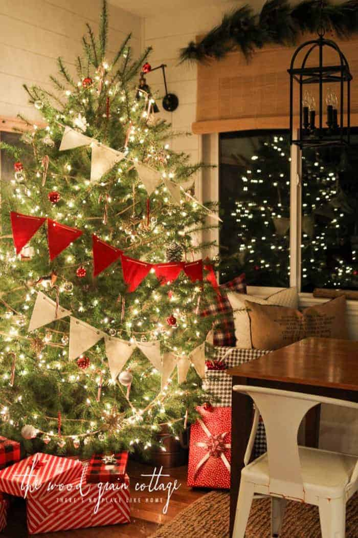 Rustic Christmas Tree | The Wood Grain Cottage