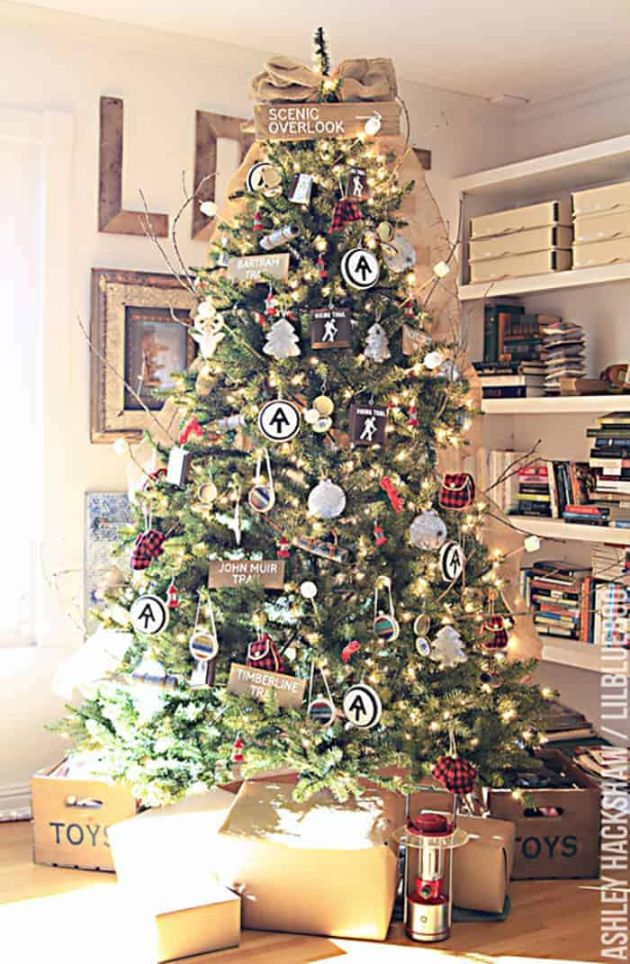 Rustic Christmas Trees That Ll Inspire Mountainmodernlife Com