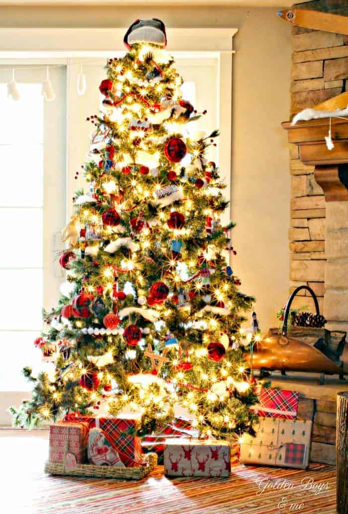 25 of the Most Inspiring Rustic Christmas Trees - Rustic Christmas Tree | Golden Boys & Me