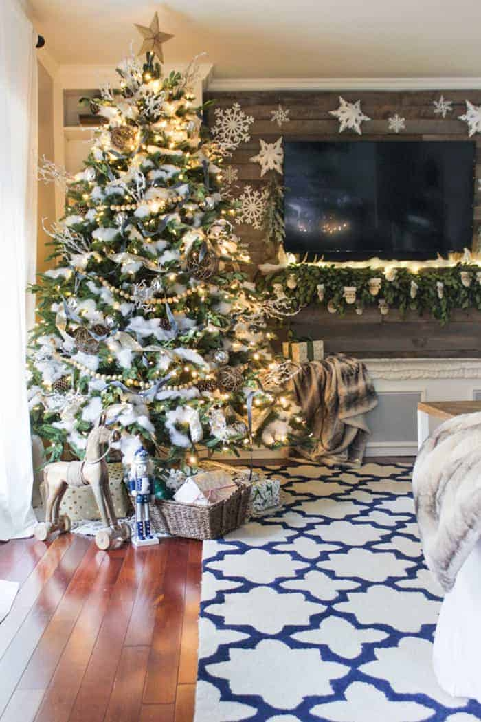 Rustic Christmas Tree | Shades of Blue Interiors
