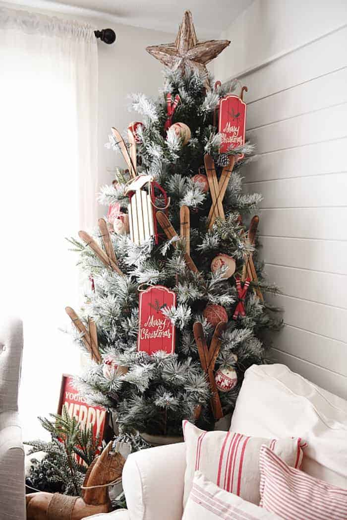 25 of the Most Inspiring Rustic Christmas Trees ...