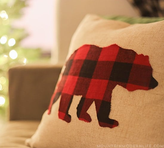 diy-buffalo-plaid-pillows-mountainmodernlife-com-550
