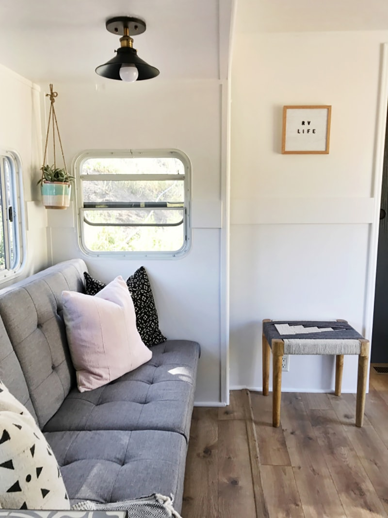 If white paint, various wood tones, and lots of texture is your thing, you'll love these rustic camper remodels! Photo Source: Arrows and Bow