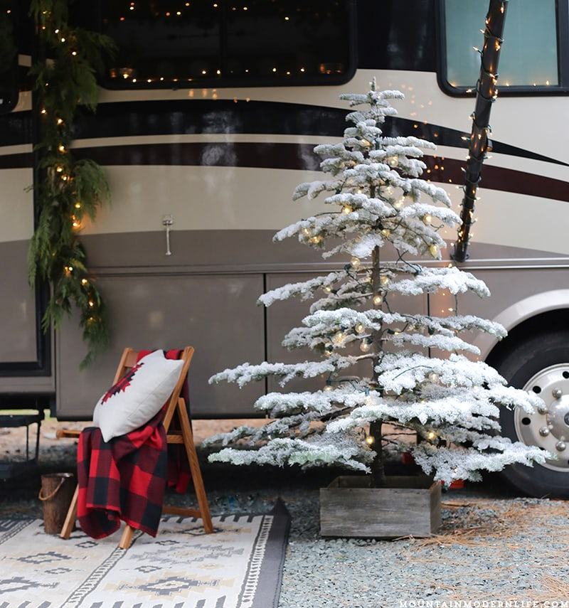 Cabin-Inspired Christmas in the Camper! Come see how we decorated our RV for the holidays! MountainModernLife.com