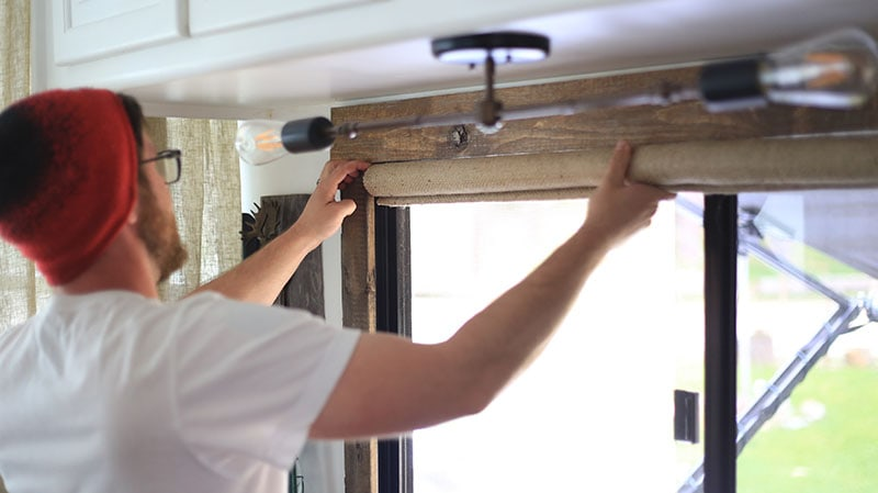 Looking for ways to add warmth and texture to your home or RV? See how easy it is to make burlap roller shades! MountainModernLife.com