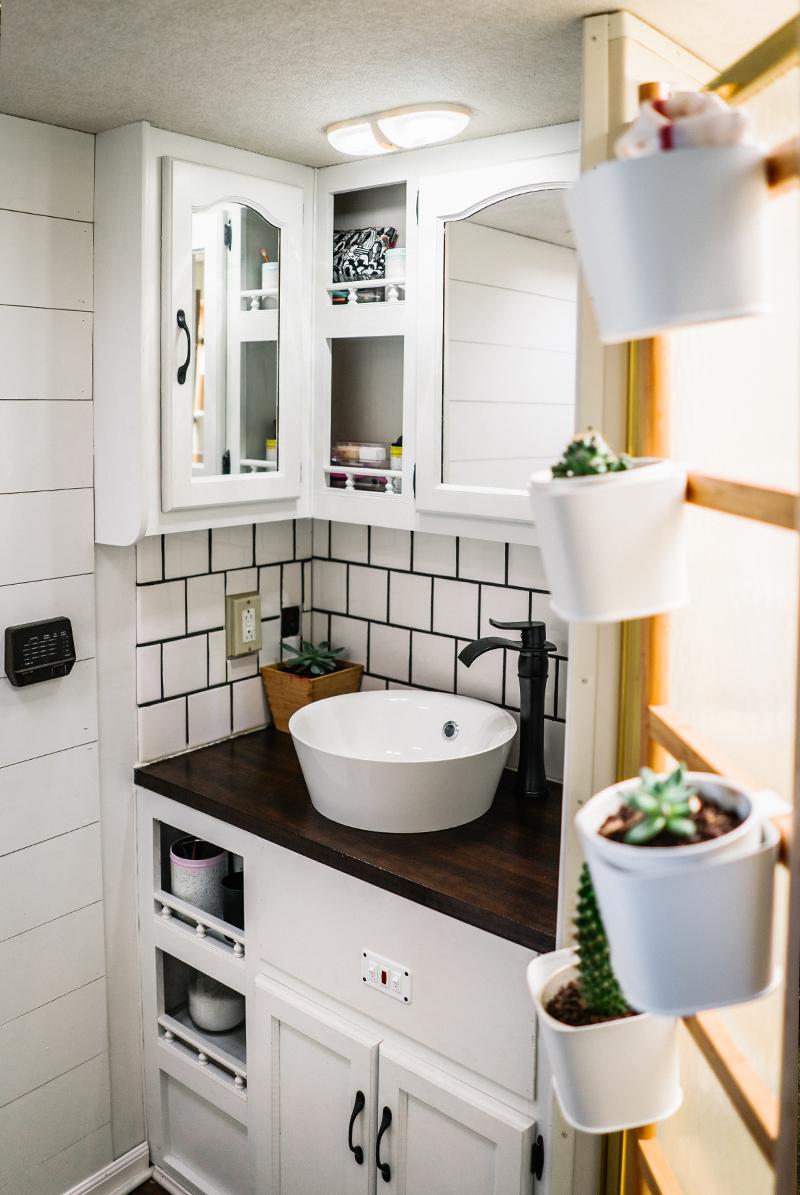 rustic farmhouse rv bathroom