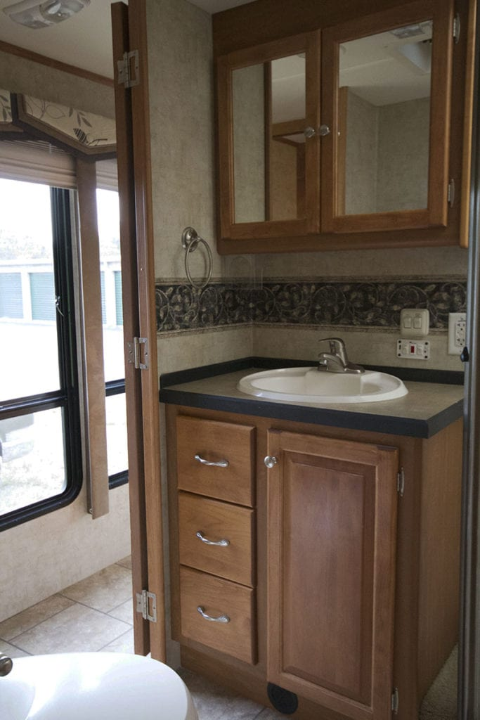 Tiffin Openroad Bathroom