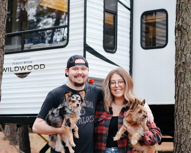 Tour this travel trailer renovated with Southwestern vibes from @TinCanRamblers! See the before and after on MountainModernLife.com
