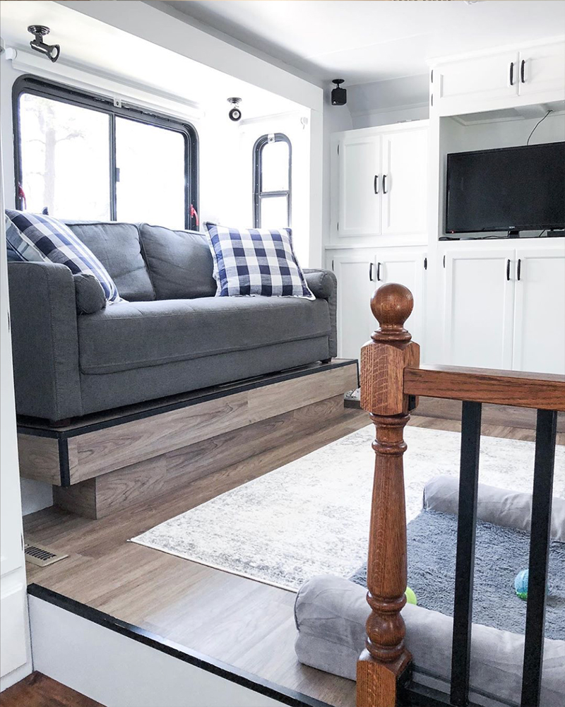 Renovated 5th Wheel from @fifthwheelfarmhouse