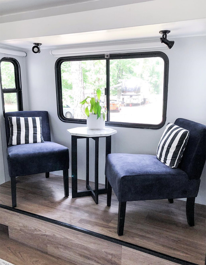 Remodeled RV from @fifthwheelfarmhouse