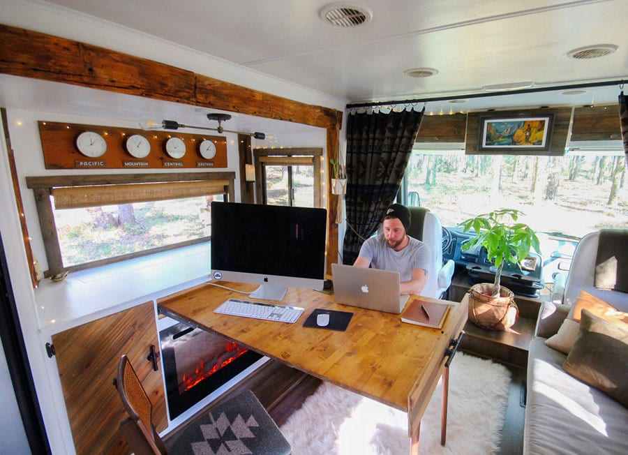 RV mobile office | MountainModernLife.com