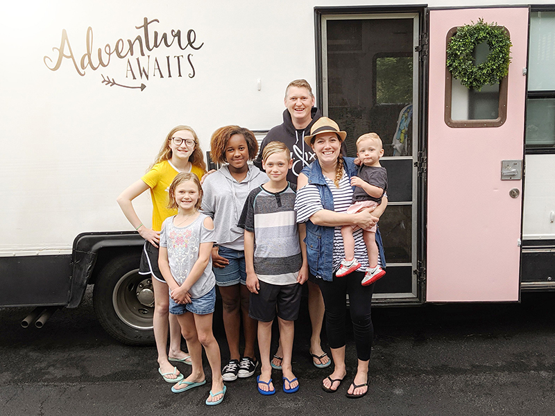 Family of 7 renovates RV together before taking vacation in it
