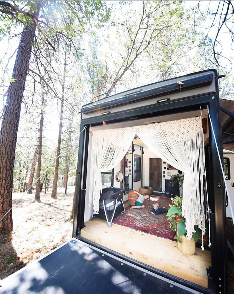 Be prepared to fall in love with this renovated Toyhauler from Asphalt Gypsy! Featured on MountainModernLife.com